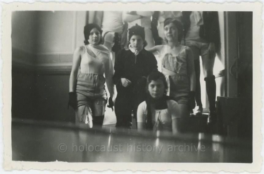 Résultats de recherche d'images pour «Forced Prostitution in Concentration Camps»